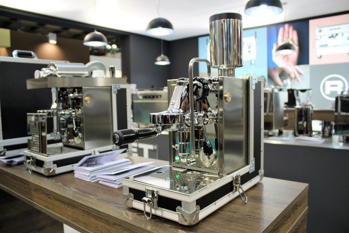 Bezzera Espresso Portavia Host17